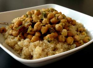 Quinoa orientalisch! …mit Kichererbsen, Datteln und Kreuzkümmel! vegan, glutenfrei, gesund.